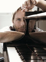 Noel Schajris en el piano