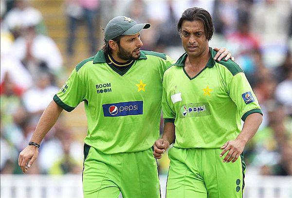 Just Cricket: Shahid Afridi And Shoaib Akhtar Pics Together