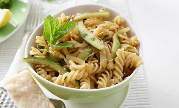 Pasta Fredda Vegetariana Con Limone Menta E Zucchine