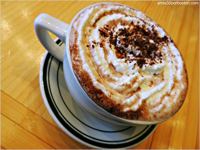 House Blend Hot Chocolate $5 en Clinton St. Baking Company, Nueva York