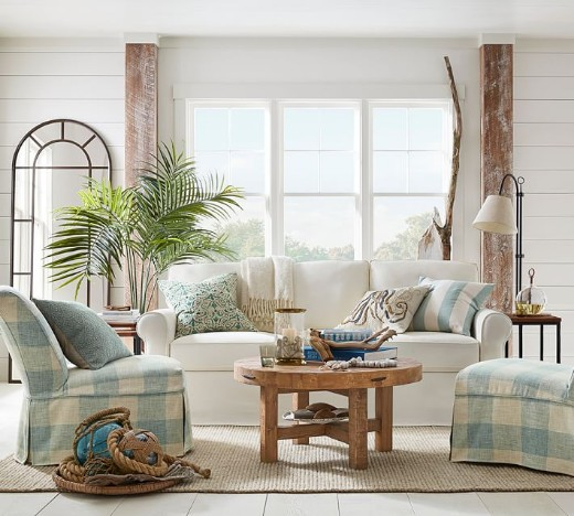 Traditional Neutral Coastal Living Room Decor Idea