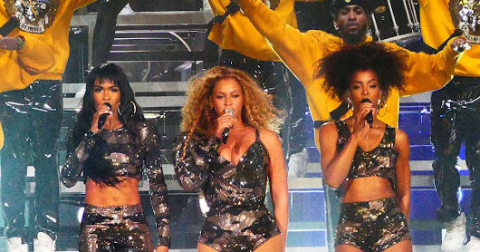Beyonce reunites with Destiny's Child at #Coachella : Singer brings #KellyRowland and #MichelleWilliams on stage