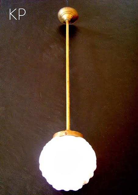Lámpara colgante vintage de techo con tulipa de cristal blanca redonda