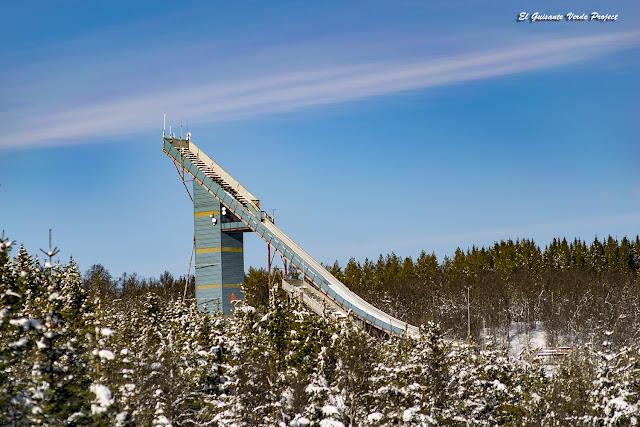 Salto de Esquí en el Winter Trail Tromsø - Noruega por El Guisante Verde Project