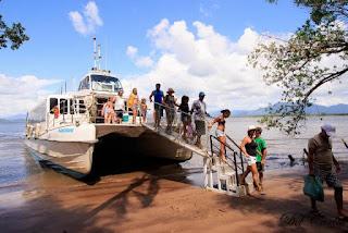 Descubra a Ilha Comprida , de norte a sul, a bordo do Catamarã