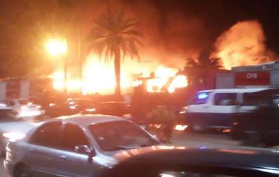 حريق بمصنع بأبو رواش بالجيزة منذ قليل والدفع بـ14 سيارة إطفاء ورجال الحماية المدنية.. وأول بيان أمني بالتفاصيل