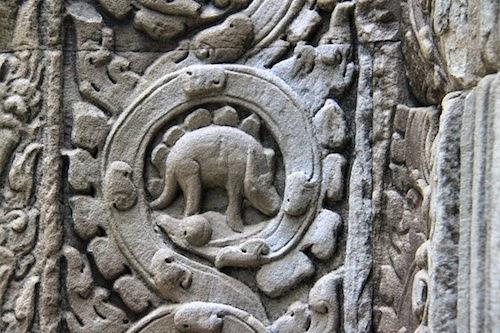 bassorilievo stegosauro cambogia