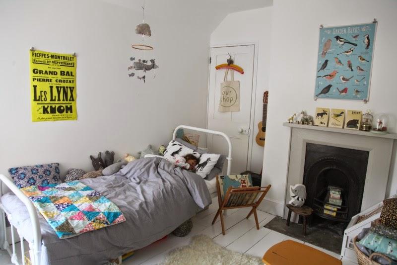 9f30d8eed big bed