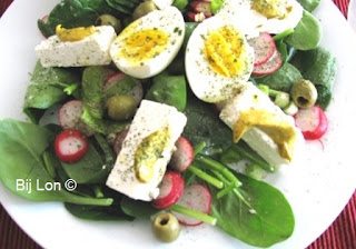 http://bijlon.blogspot.nl/2016/04/salade-spinazie-met-feta-en-olijven.html