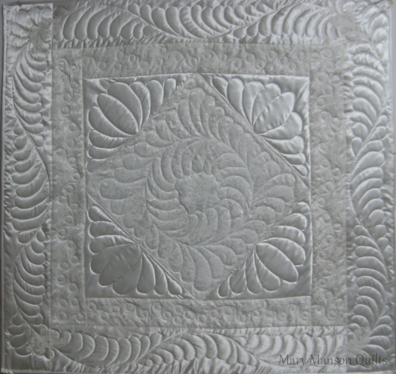 Mary Manson Quilts: Wedding Dress/Special Occasion Quilts : wedding dress quilts - Adamdwight.com