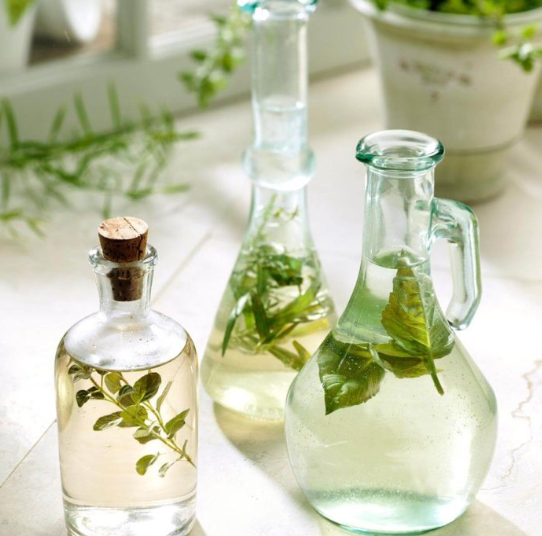 Herbal Vinegar Recipes & Unique Flavors with Health Benefits