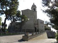 http://www.themarcheexperience.com/2015/10/altidona-fm-grandioso-castello-con.html