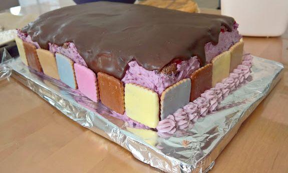 muumi niiskuneiti täytekakku kakku leivonta resepti sokerimassa