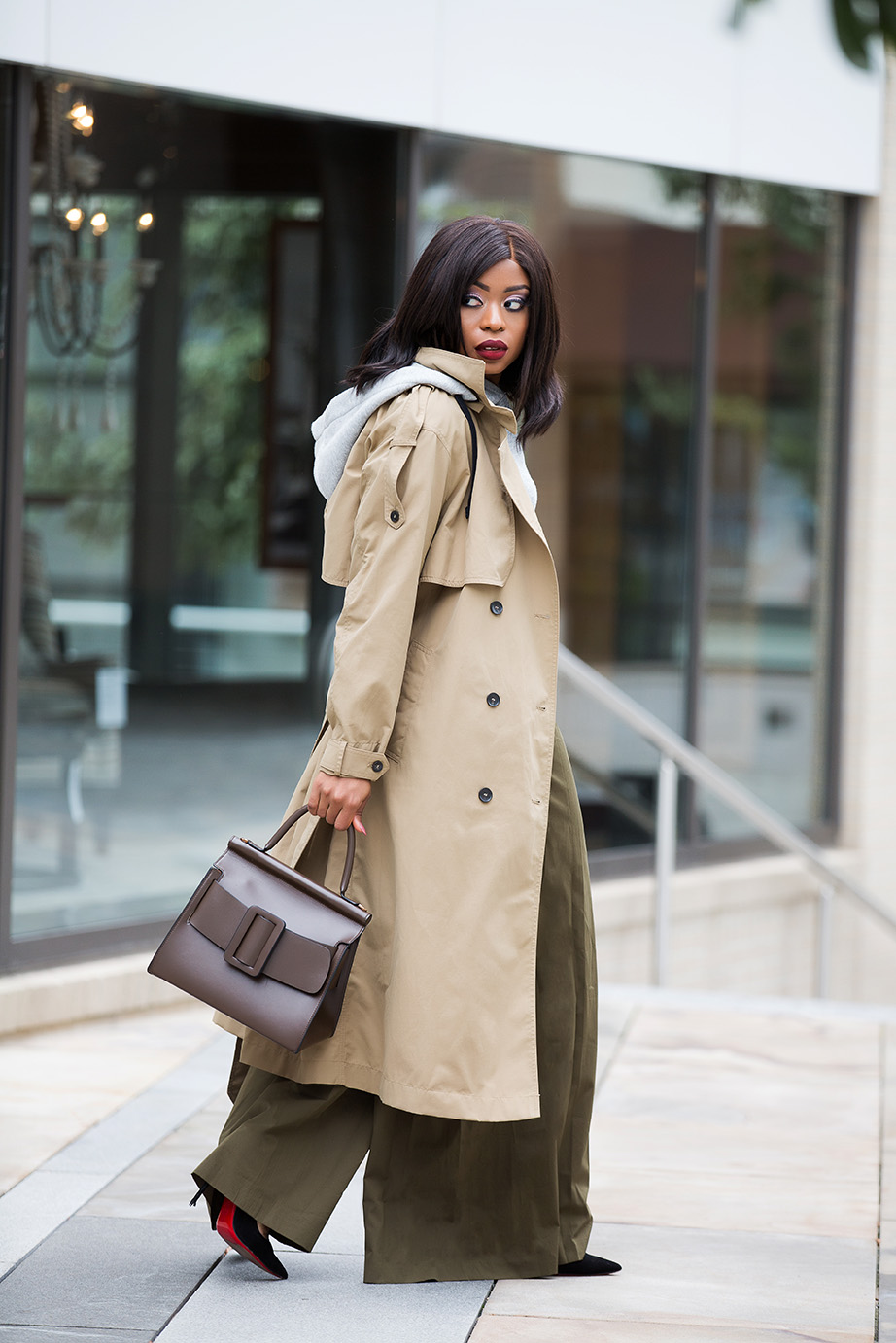 wide-leg pants, trench coat, crop hoodie, www.jadore-fashion.com