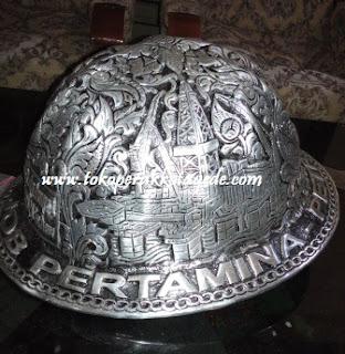 helm ukir alumunium- craft of aluminum metal