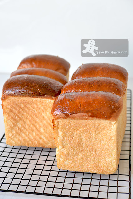 super soft almond sandwich bread