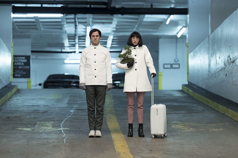 Justin Theroux y Sonoya Mizuno en Maniac de Netflix