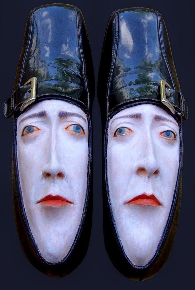 http://www.athba.net/2014/12/ekspresi-unik-dari-sepatu-bekas.html