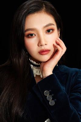 ialah seorang penyanyi dan aktris asal Korea Selatan Profil Joy