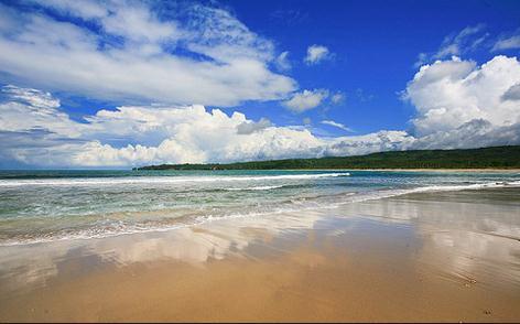 pantai sawarna banten selatan