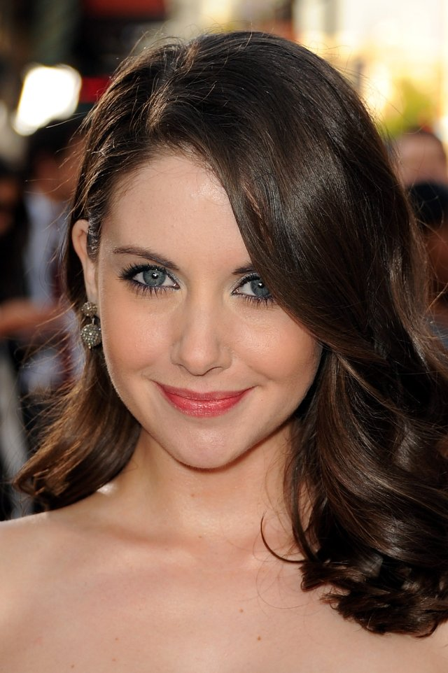 Alison Brie Alison Brie Current Hot News Photos And Biography