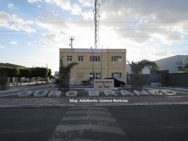 Prefeitura de Ouro Branco nomeia mais  10 aprovados em concurso público realizado em 2016