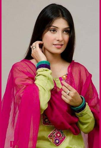 Pakistani Girls Models Pakistani Model Aiza Khan Pictures Ans Profile-2684