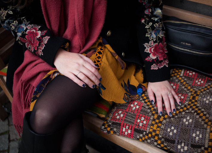 Outfit: floral embroidery coat, boho tunic dress, over the knee boots