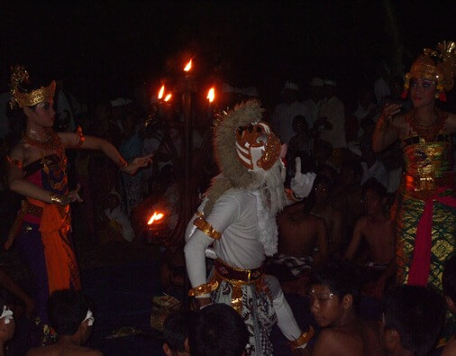 Kecak trip the low-cal fantastic was created past times I Wayan Limbak together amongst Walter Spies  BaliBeaches: Kecak Dance Bali - The Fire Dance Bali & Story