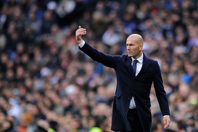 """""""Saya kembali di sini karena sosok presiden (Florentino Perez) menghubungi saya, dan karena saya mencintai presiden dan klub, saya di sini,"""" ungkapan Zidane."""