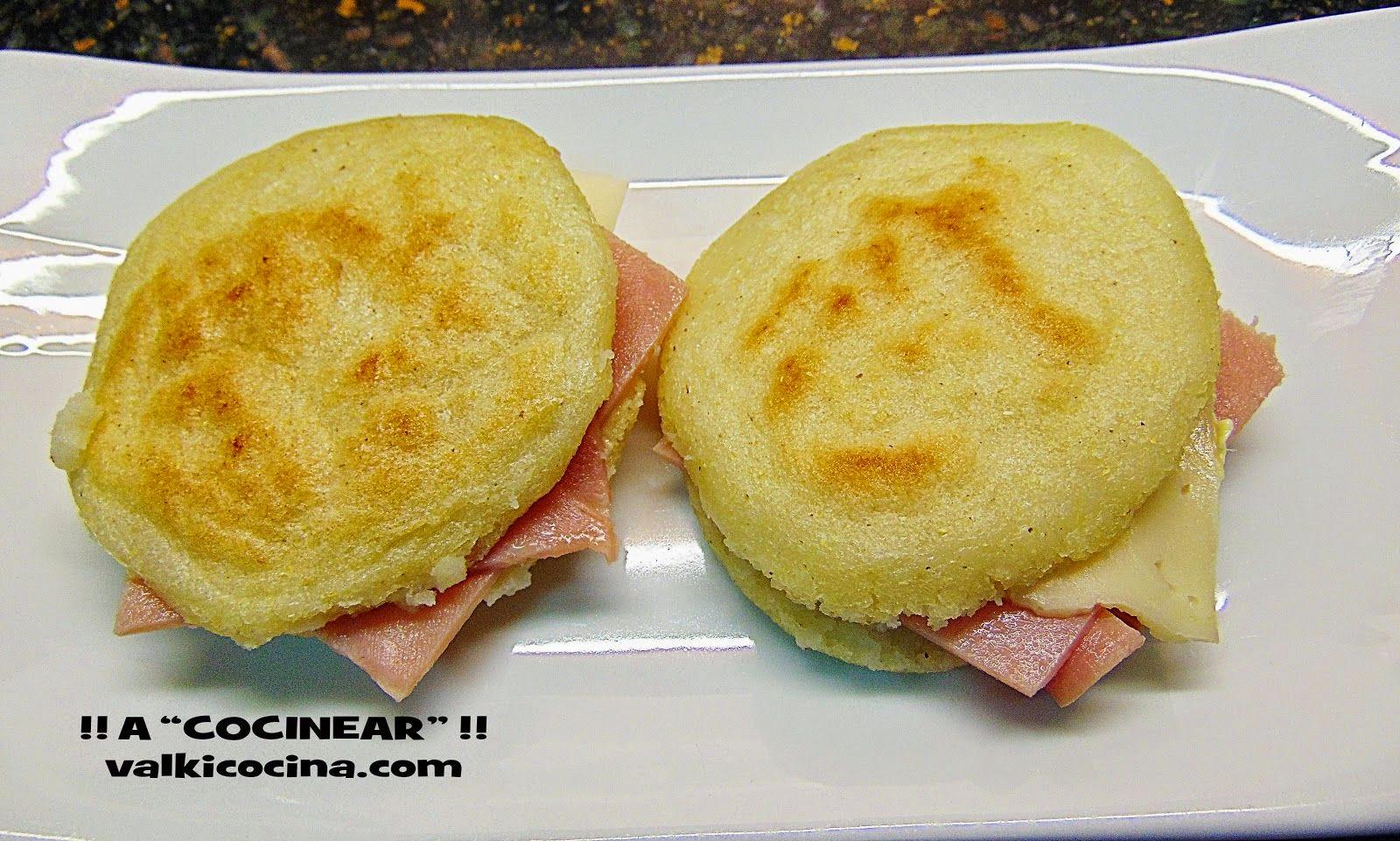 arepas rellenas de jamón cocido y queso