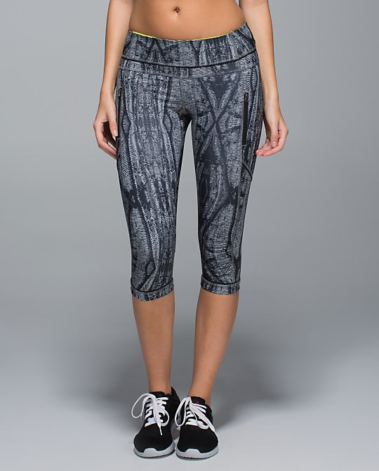 lululemon passion crop ii