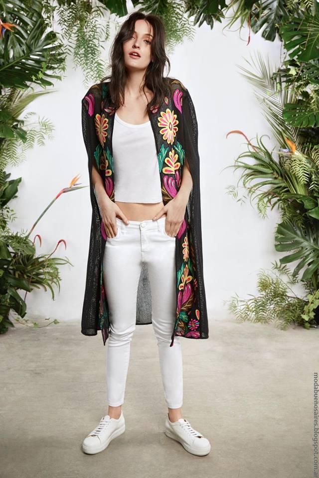 Moda verano 2017 María Cher. Moda 2017 kimonos.