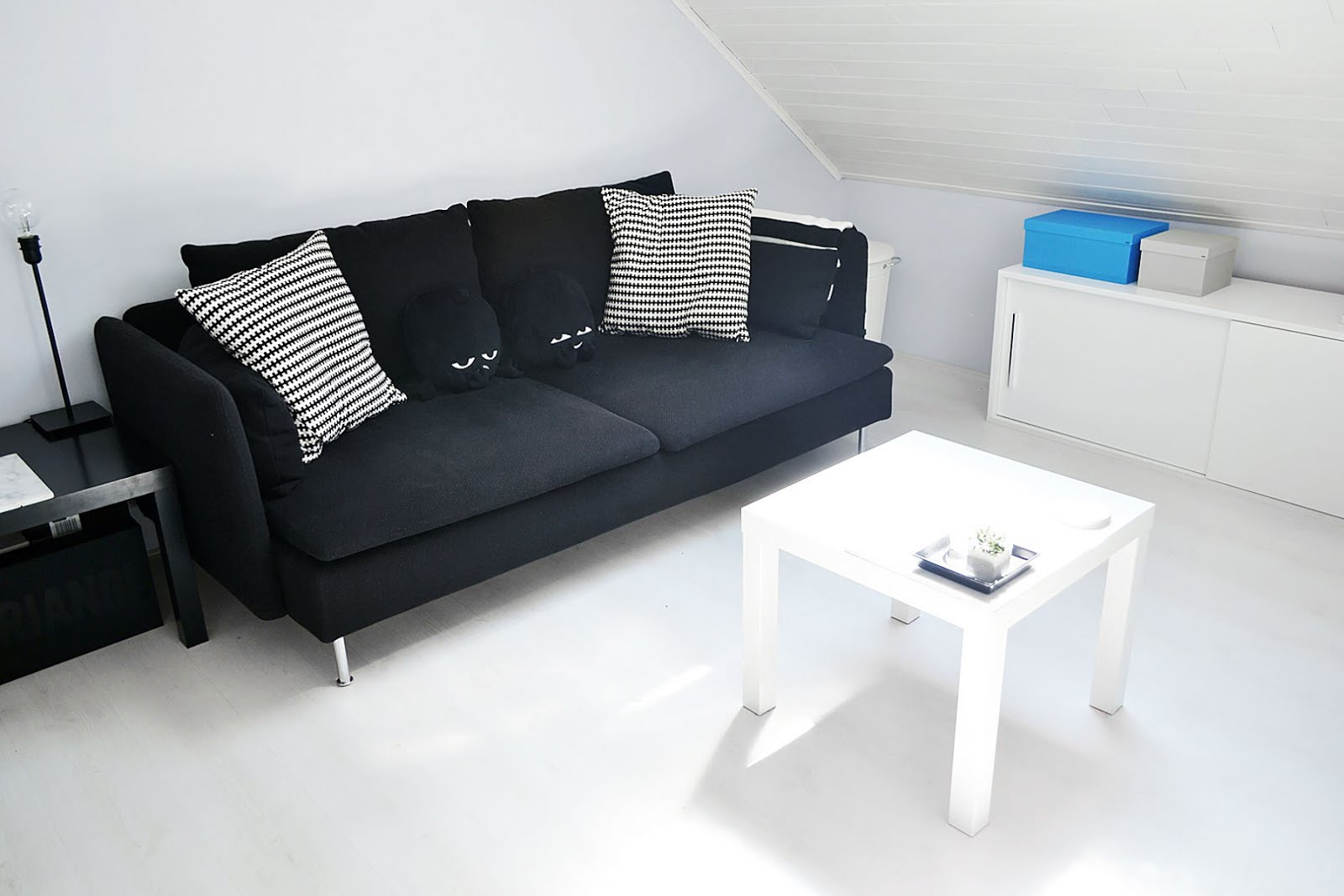 IKEA soderhamn, black cover, ikea lack table white, monkis, animals, black sofa,