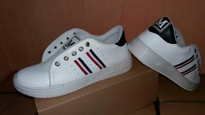 Sepatu Sneakers Wanita  PALING LAKU 539d04ebcf