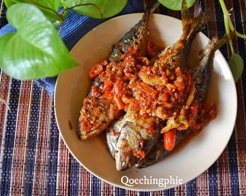 Resep dan Cara Membuat Ikan Kembung Asam Manis