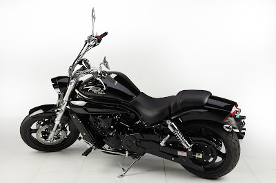 Hyosung Aquila Pro 650 cruiser shadow black bike