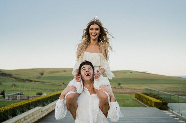 BARN WEDDING VENUE ACCOMMODATION PROPERTY HIRE COASTAL