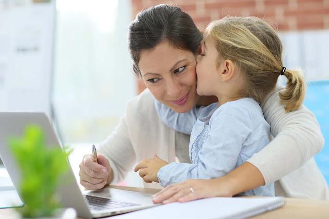 5 Manfaat Kerja Sampingan Untuk Ibu Rumah Tangga