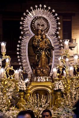 Resultado de imagen de Salida de la Virgen del Rosario de las Aguas. Sevilla
