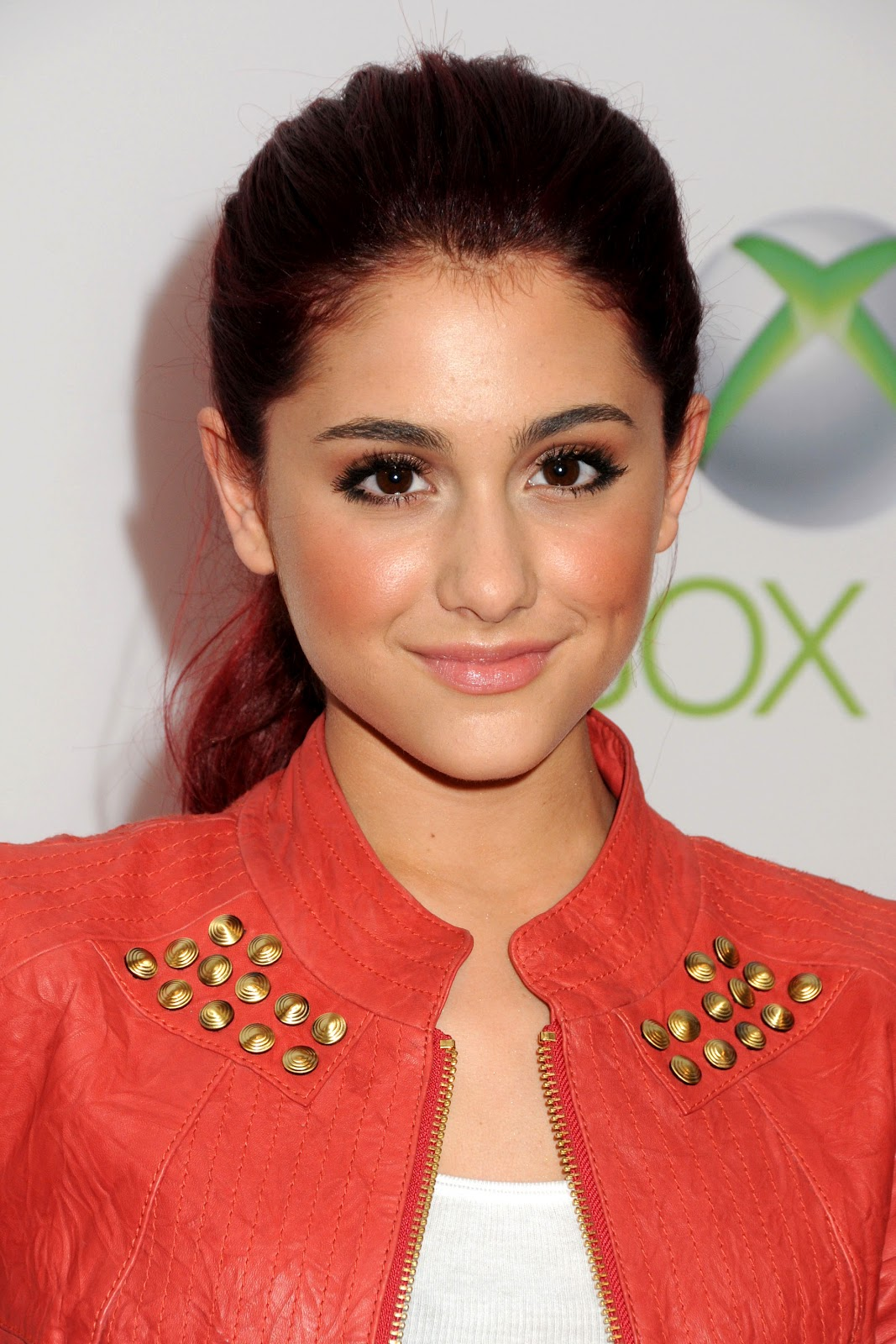 Ariana Grande S Mac Viva Glam Collection Is For The Good: Ariana Grande Doing Dating With Josh Hutcherson
