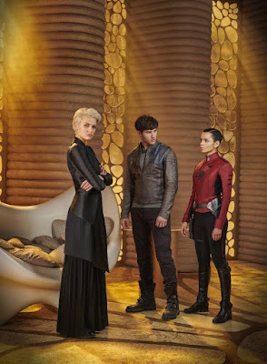 Cameron Cuffe, Wallis Day and Georgina Campbell in Krypton