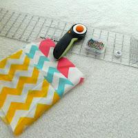 easy burp cloth tutorial - amorecraftylife.com