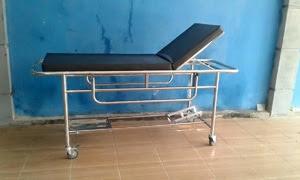penjual brankar pasien emergency dorong rumah sakit