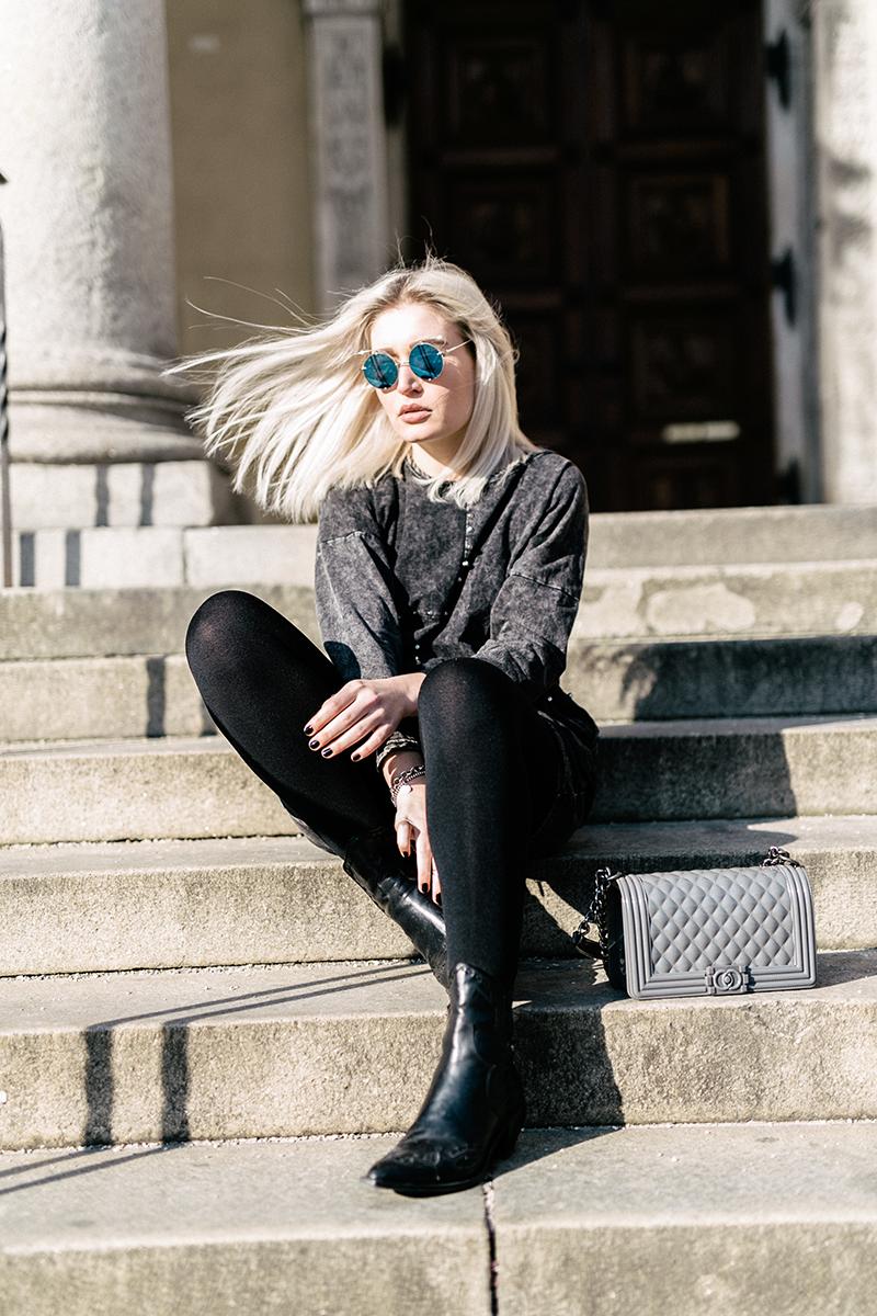 Shooting-Mode-Blogger-Modeprinzesschen-Munich-Muenchen-lauralamode-ootd-outfit-Sassyclassy-Zara-lookbook-Streetstyle-Sweater-Sweatshirt Dress-Nieten-Look-Lookbook-outfit-Style-Fashionblog-Modeblog