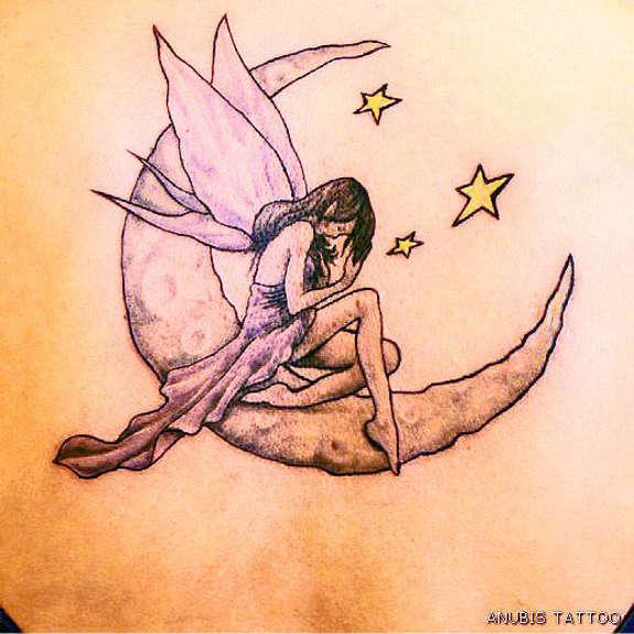 tatuajes para mujeres de lunas con estrellas