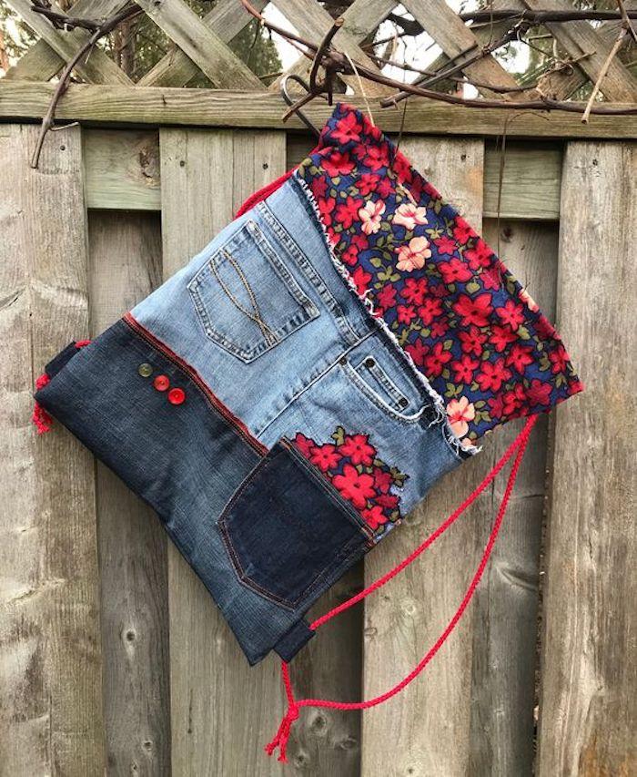 Bolso mochila de patchwork y tela vaquera