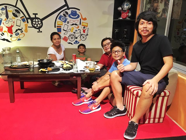"Do you know that Empoy is also business-minded? TAKE A PEEK INSIDE ""Wayback 90s"" Resto-Bar"