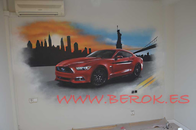Graffiti mural de coche Mustang Rojo