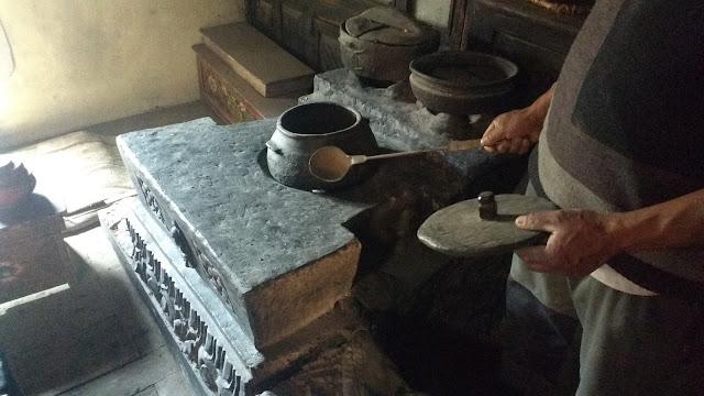 Old Hertitage Kitchen Utensils
